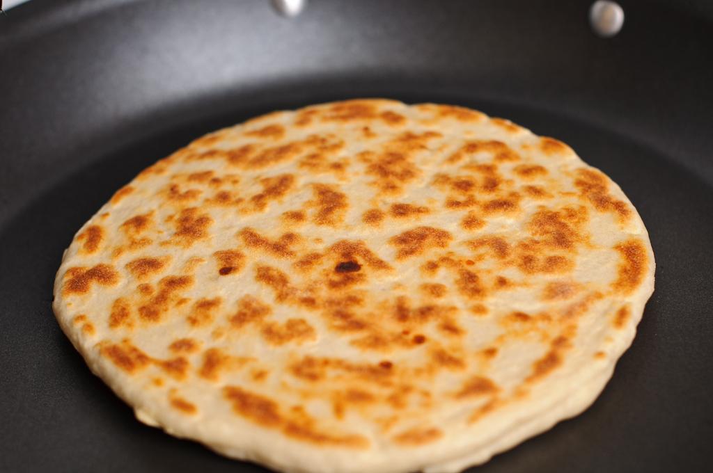 Этот рецепт хачапури дал мне один старый грузин. Главное — не проглотить язык!