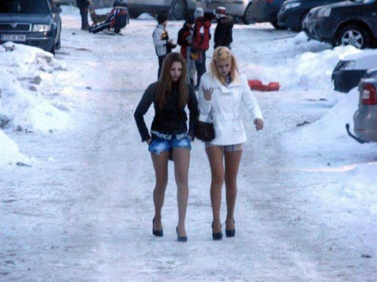 «Модные» образы в морозные дни..