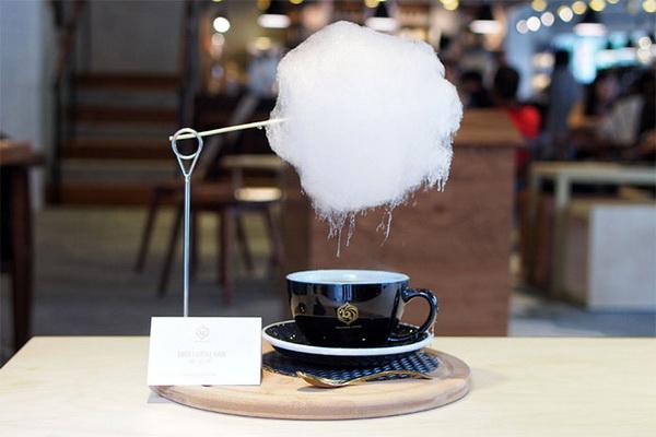 В кафе в Шанхае предлагают кофе с сахарной ватой в невероятной подаче