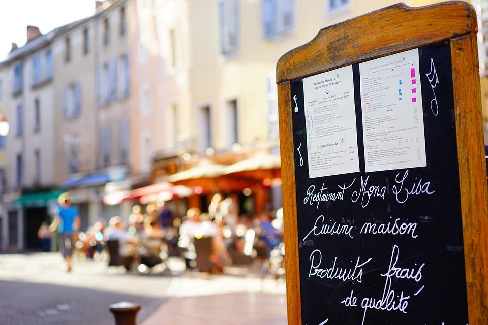 7 уловок ресторанов, чтобы вы оставили у них больше денег