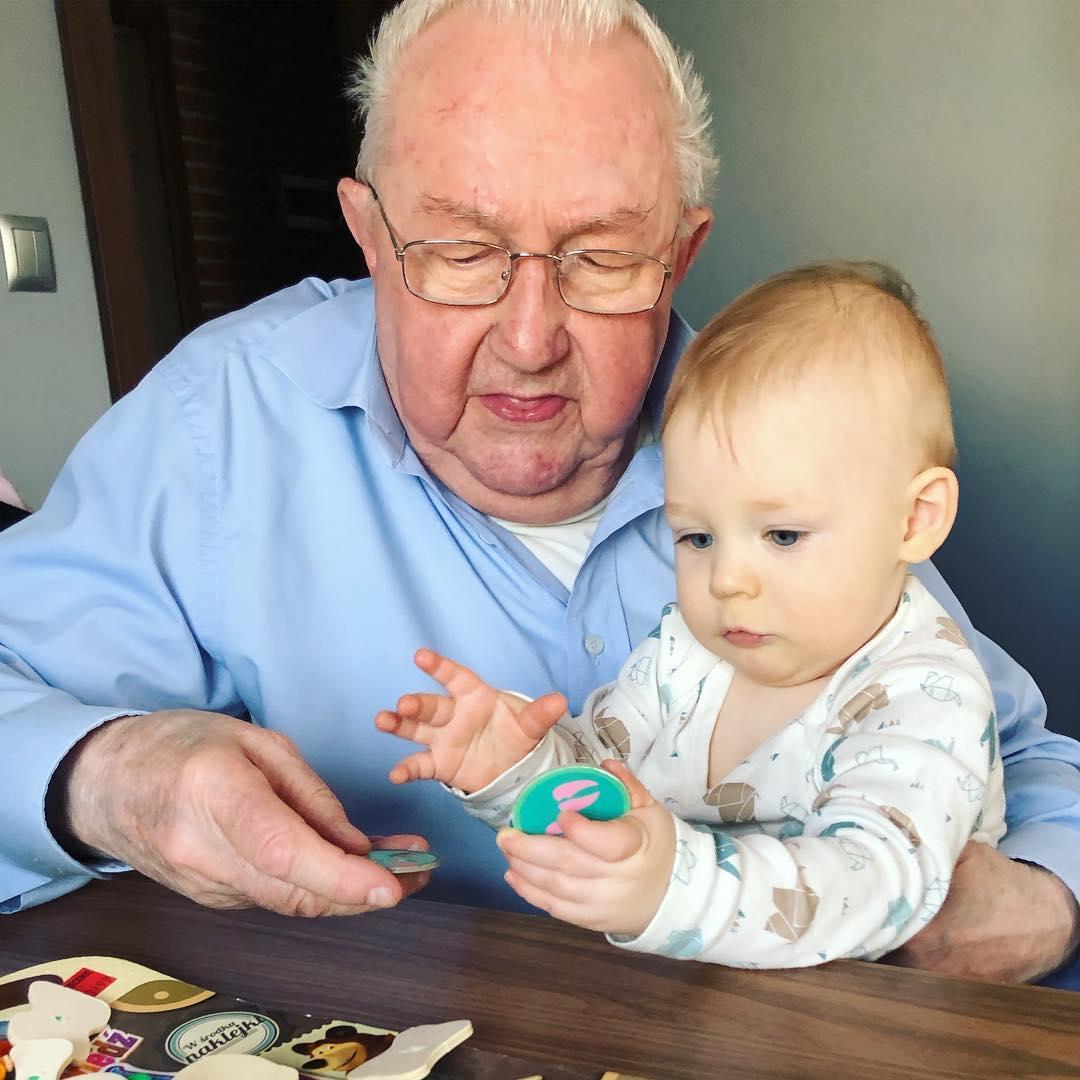 Удивительное открытие — бабушки, проявляющие заботу о внуках, продлевают себе жизнь на десять лет