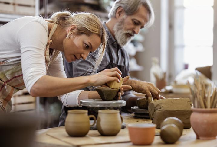 Дачный апгрейд: Как организовать отдых со старшим поколением