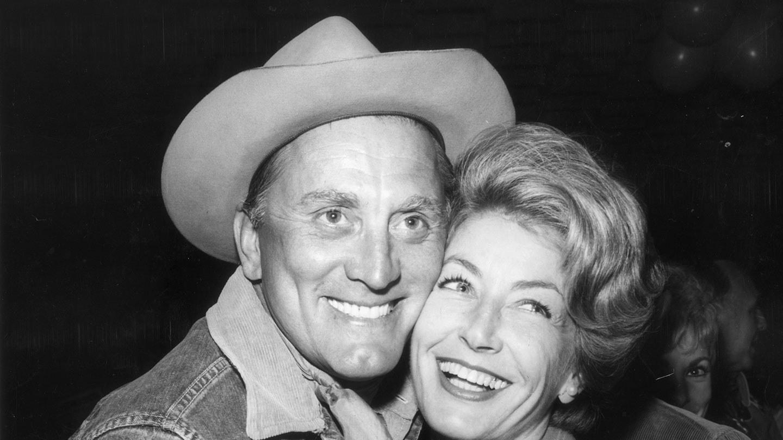 Романтическая история старейшей голливудской пары – ему 102, ей 100 лет