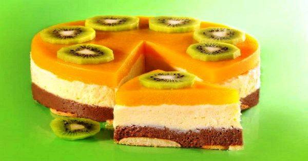 Манный тортик с консервированными персиками