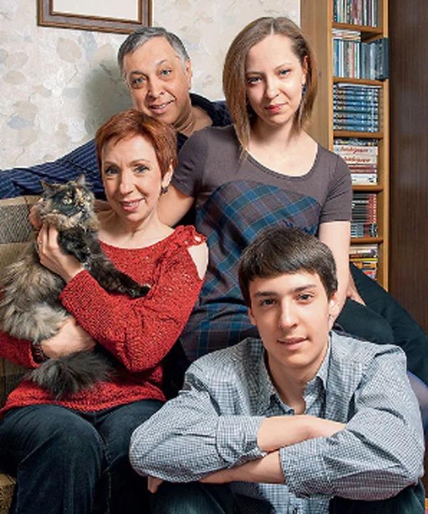 Как выглядят дочь и сын Галины Петровой— обаятельной актрисы с нестандартной внешностью
