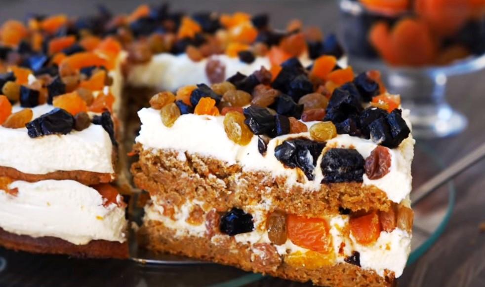 Морковный торт с нежным творожным кремом