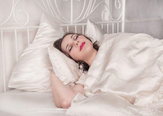 Почему после засыпания, люди иногда резко вздрагивают