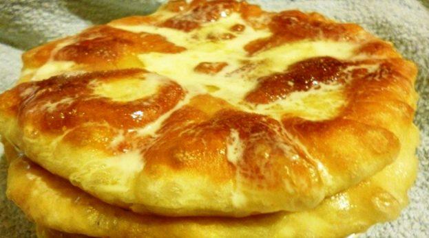 Бабушкин рецепт вкусных пышек на кефире со сметаной