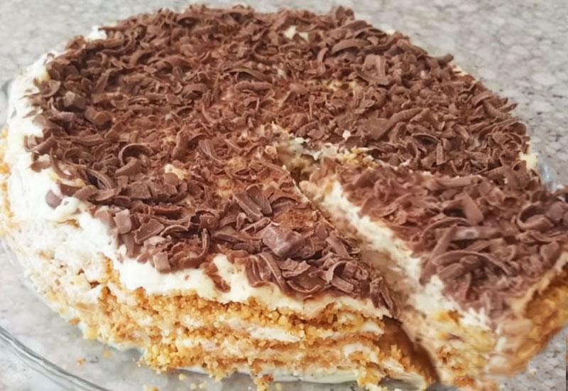 Нежный торт без духовки и без печенья