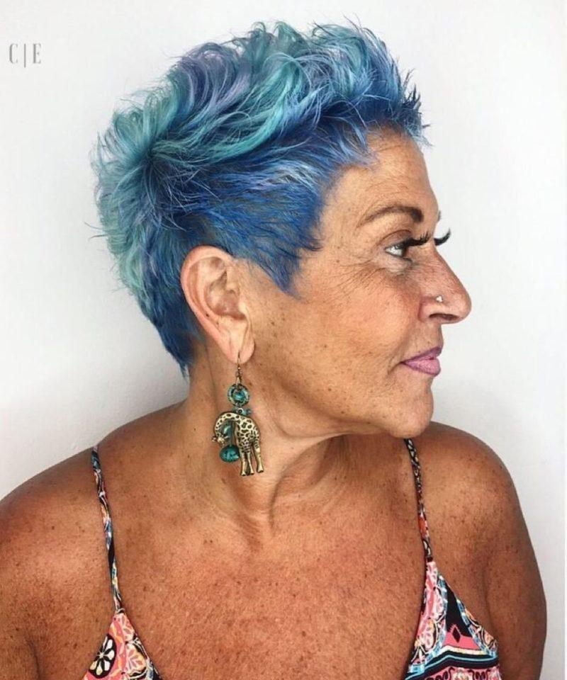 Яркие бабушки, которые отказались от скучных красок и выглядят потрясающе