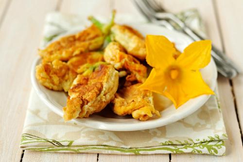 блюдо из цветков тыквы