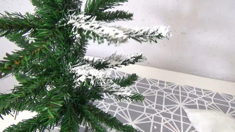 Украсьте ёлочку на праздник самодельным 3D снегом, который не сыпется и не пахнет