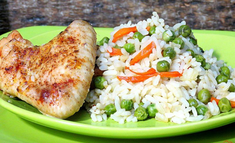 Рис с куриными крылышками и овощами. Сытное и вкусное блюдо в духовом шкафу 8